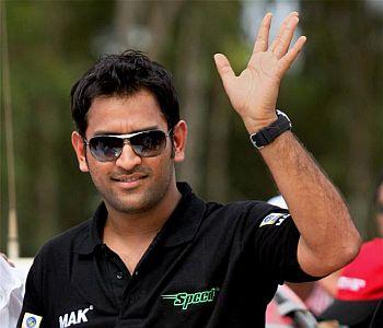 India wins Test in Chennai,Ranchi celebrates Dhoni setting record