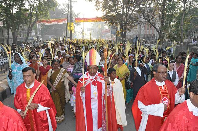 Catholics observe Palm Sunday