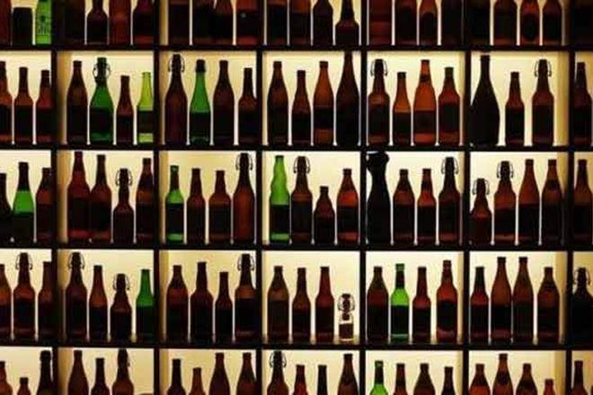 das-govt-rolls-back-decides-to-sell-liquor-in-market