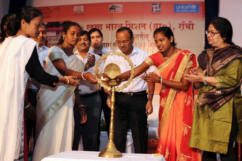 women-shg-members-support-swachh-bharat-mission-in-ranchi