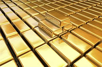 Gold is sailing in trouble waters