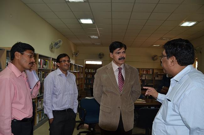 Advisor Kumar visits IIM-R