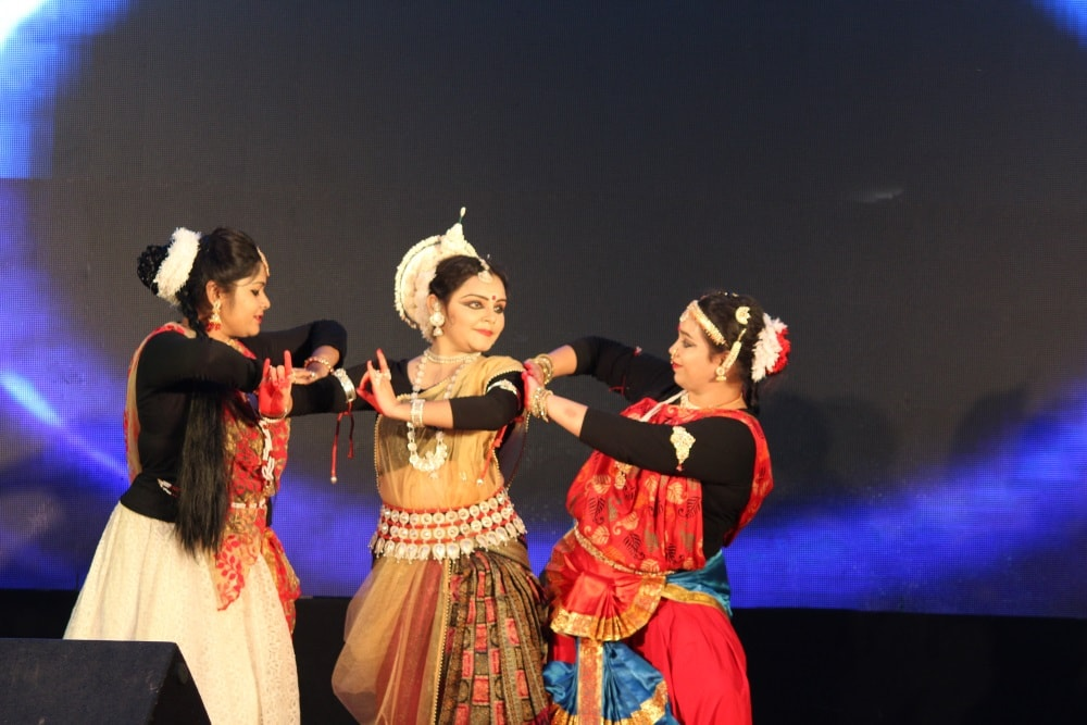 Dance,music,lecture mark farewell function for PGDM 2016-18 batch students at XISS