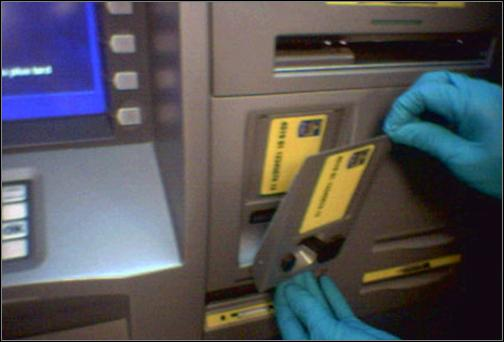 cops-in-search-of-atm-card-cloning-gang-in-ranchi
