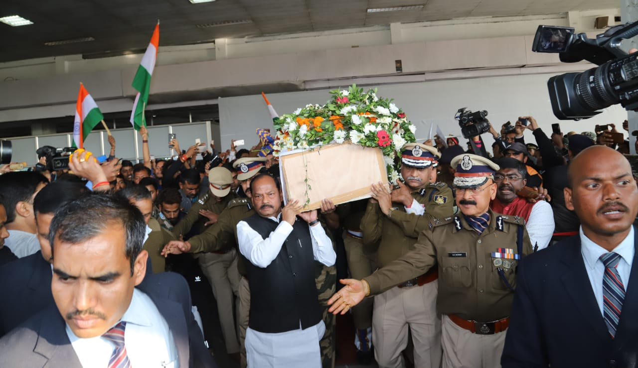 Jharkhand bids tearful adieu to martyred soldier Vijay Soreng