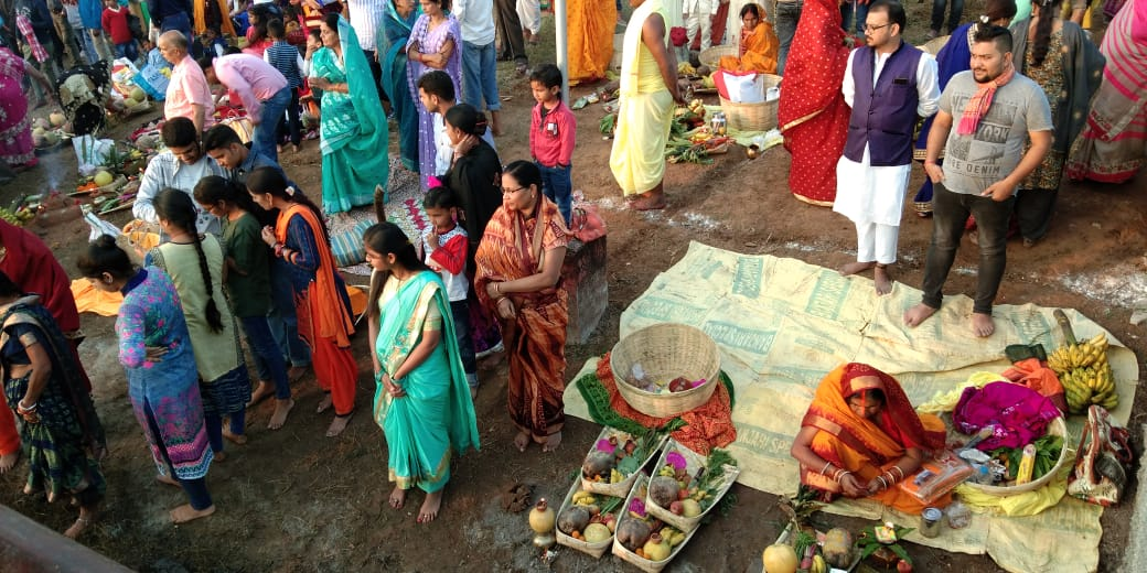 chhath-devotees-flood-kanke-dam