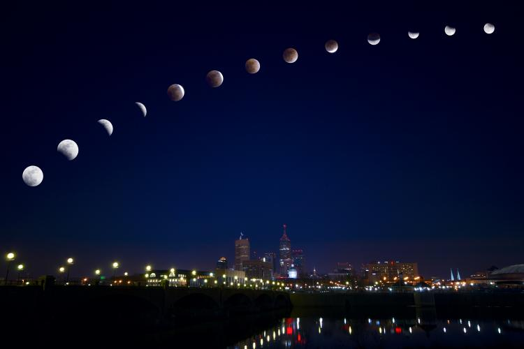 Longest Lunar Eclipse of the 21st century visible on July 27/28, 2018