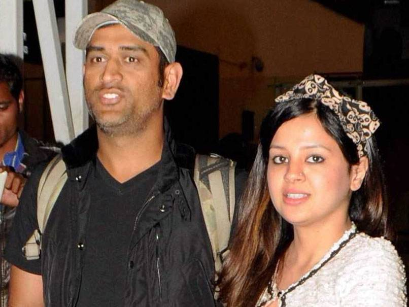 dhoni-s-wife-sakshi-applies-for-gun-licence