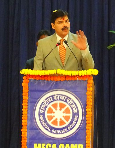 Governor's Advisor Vijay Kumar calls upon youth to rise and shine