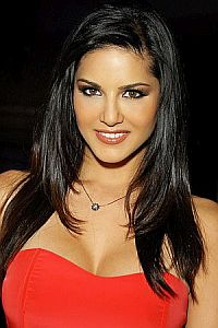 Sunny Leone out to bomb with her first item number