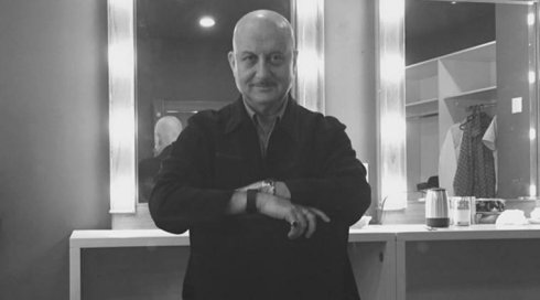 Anupam Kher starts shooting for M.S. Dhoni's biopic
