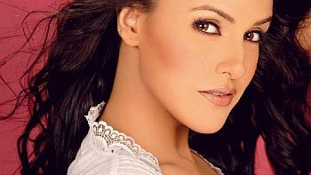 Neha Dhupia tweets about her 'hits' and 'flops'
