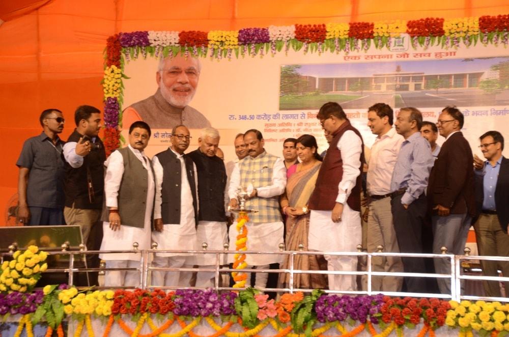 CM lays foundation stone for Binod Bihari Mahto Koylanchal University building at Dhanbad