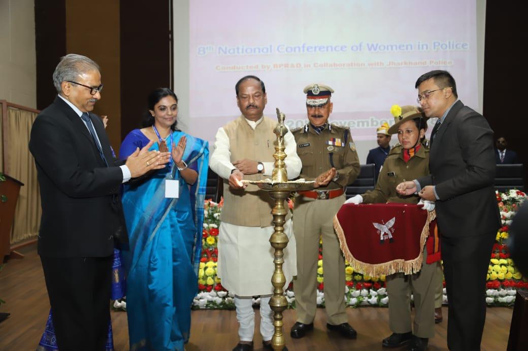 हमारी बेटियों और बहनों ने देश का नाम रोशन किया है - मुख्यमंत्री