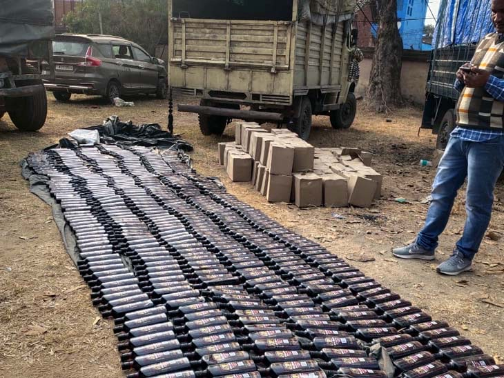 liquor-seized-from-bus-in-chandwa-latehar