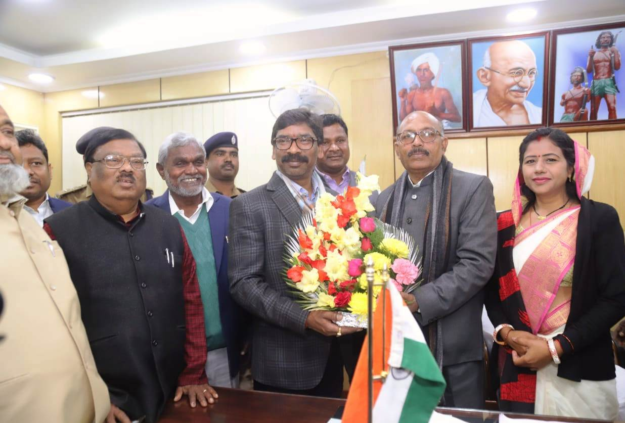 congrats-to-ravindra-nath-mahato-on-being-elected-as-the-speaker-of-jharkhand-legislative-assembly-unopposed-cm-hemant-soren