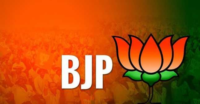 Latehar-DC-with-narrow-and-communal-mindset-should-be-suspended-BJP-leader