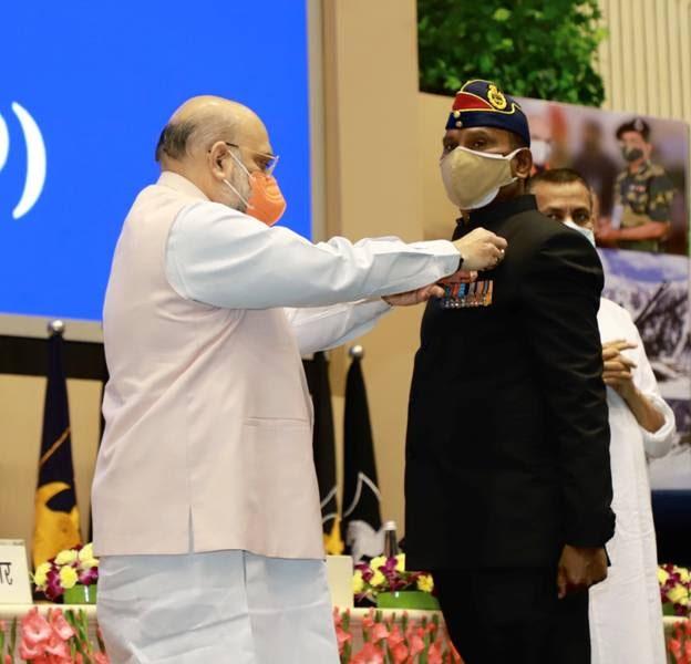 सीमा सुरक्षा बल (BSF) का 18 वें अलंकरण समारोह: बहादुर अधिकारियों और कार्मिकों को अलंकरण प्रदान किए