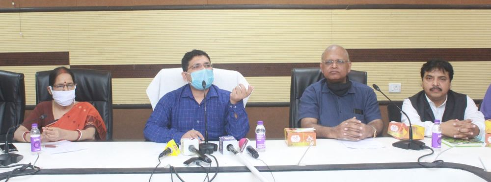 Jharkhand-government-committed-to-provide-health-insurance-to-journalists-Director-of-Information-and-Public-Relations