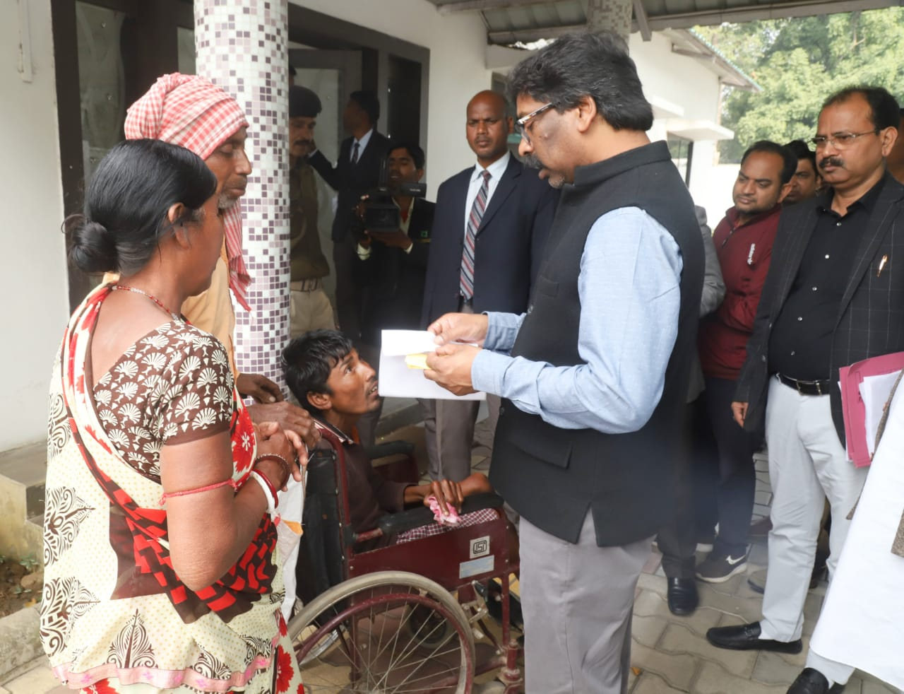 government-will-strengthen-basic-facilities-hemant-soren-chief-minister