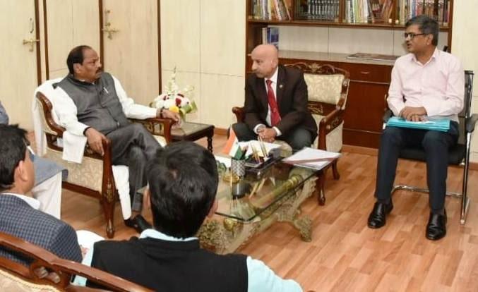राज्य के मुख्यमंत्री ने झारखण्ड की रेल परियोजनाओं एवं लंबित रेलवे परियोजनाओं की समीक्षा बैठक में भाग लिया