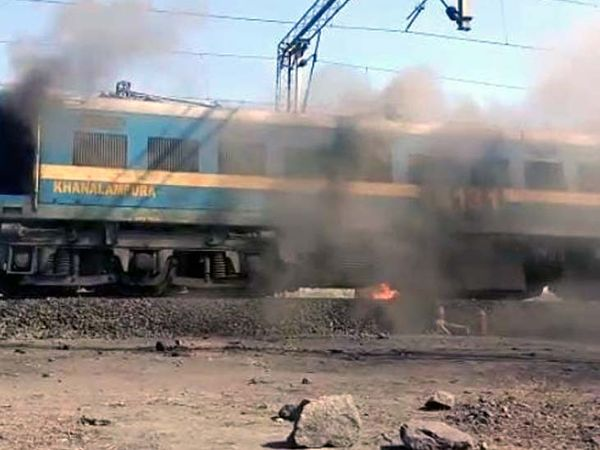 fire-engulfs-coal-laden-goods-train