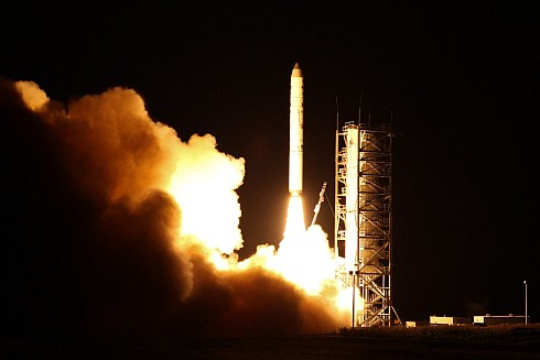 Unmanned LADEE on way to Moon