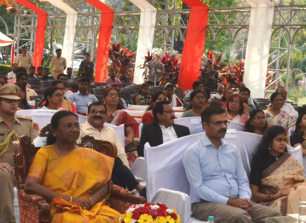 Governor Murmu takes part in Sarhul Milan at Raj Bhawan