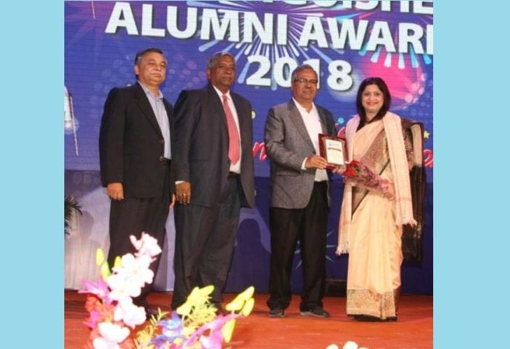XLRI Alumni in cheers after receiving awards