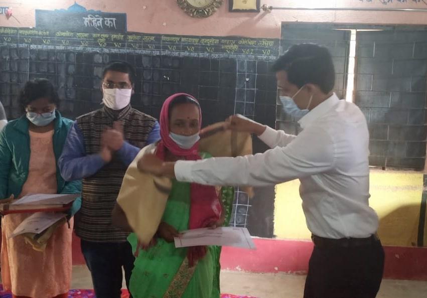 phoolo-jhano-ashirwad-abhiyan-uplifts-tribal-women-in-jharkhand