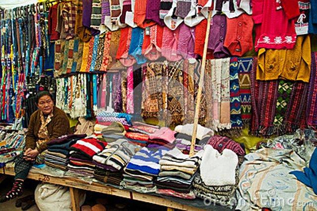 Sale increases at Tibetan market as temp dips