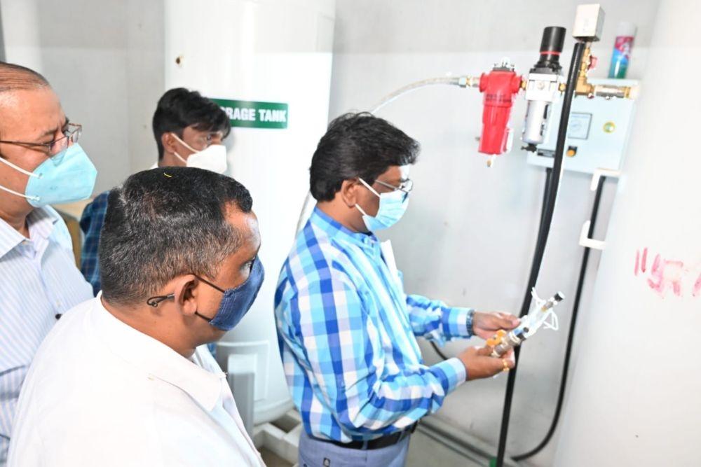 <p>सदर अस्पताल रांची स्थित नवअधिष्ठापित पीएसए ऑक्सीजन प्लांट का शुभारंभ करते हुए मुख्यमंत्री श्री हेमन्त सोरेन।</p>
