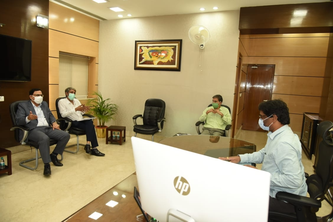 <p>SAIL Chairman Anil Kumar Choudhary(left) net Jharkhand CM Hemant Soren(right) and Chief Secretary Sukhdeo Singh(second from right) in the state Secretariat, Ranchi on Wednesday.</p>…