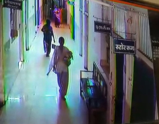 <p>A child born inside the state government run RIMS hospital was abducted by a woman,showed a CCTV maintained by the RIMS administration in Ranchi.The abducted girl's mother was…