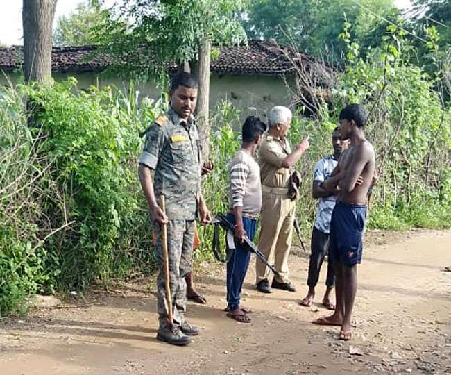 <p>AJSU party's Latahar leader Akhilesh Srivastava was murdered in Latehar. He was strangled to death by a banned group of Maoists. A pamphlet collected from the spot of the crime…