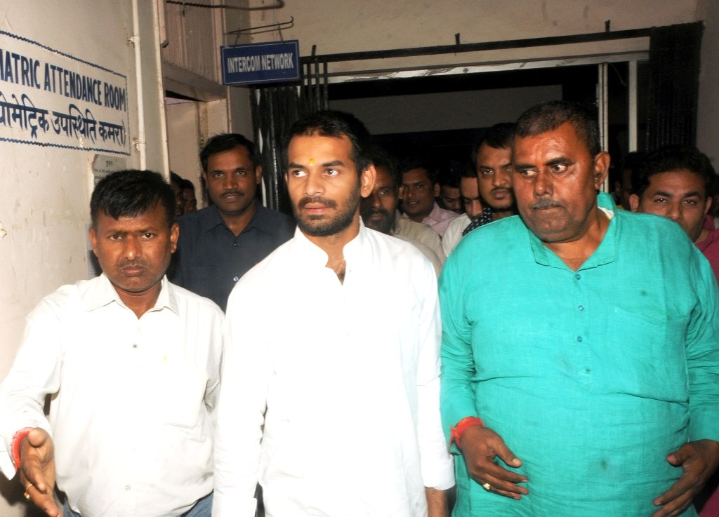 <p>Former Minister of Bihar Tej Pratap Yadav arrives at Rajendra Institute of Medical Sciences (RIMS) to meet his father RJD Chief Lalu Prasad Yadav in Ranchi on Saturday. </p>…
