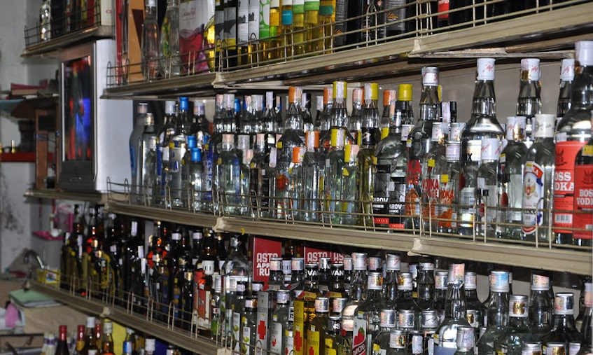 <p>Dry time for voters: Liquor shops in the district sharing borders with neighbouring states will remain closed ahead of poll-day. People will have to face problem accessing liquor…