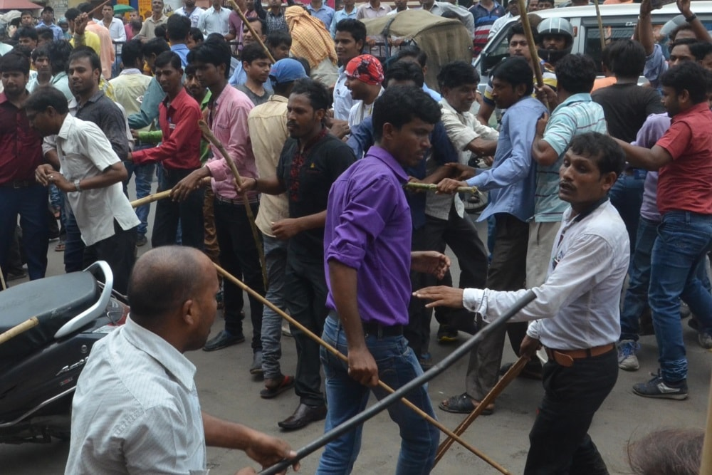 <p>Garment traders strike against GST turned into a group clash with one group fighting against the other group at Albert Ekka Chowk in Ranchi.Traffic was paralysed.The police nabbed…