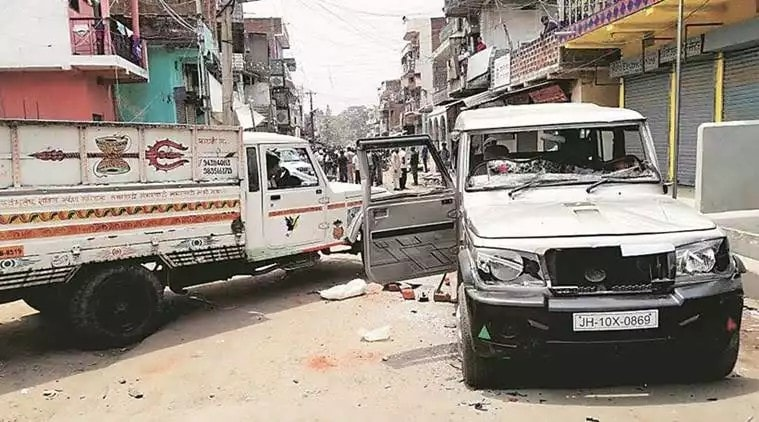 <p>In protest against attack on them yesterday,Bajrang Dal workers called for Bandh.As a result life remains paralysed in Hazaribagh.Security forces were deployed in strength to maintain…