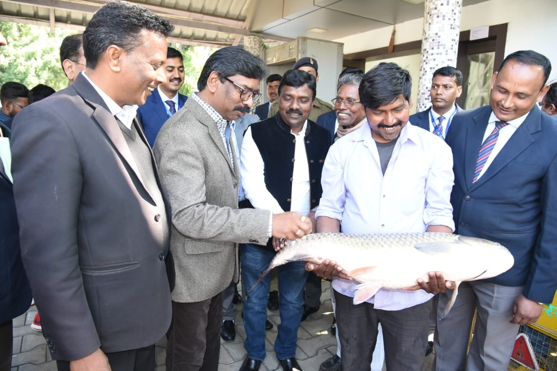 <p>The people of Kewat society led by Charan Kewat, President of Jharkhand Fisheries Federation cum Jharkhand Rashtriya Nishad Parishad, Jharkhand State, reached from Dulmi Gola in…