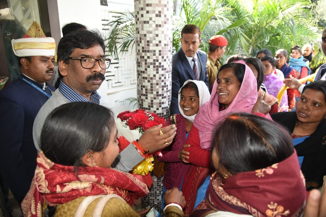 <p>To greet Chief Minister Mr. Hemant Soren, there was a huge crowd at his Chief Minister's residence on Kanke Road on Friday. The people of all sections from different places…