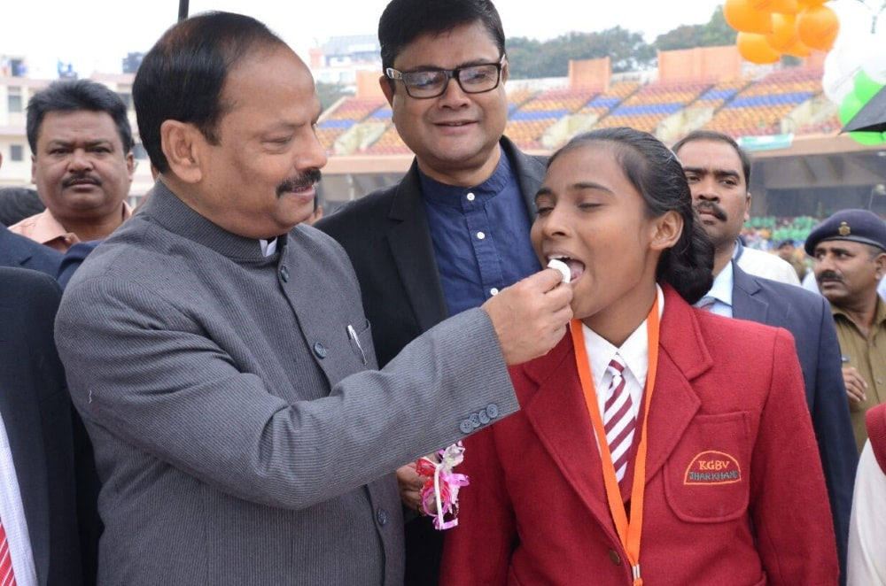 <p>On the occasion of Jharkhand Foundation Day, thousands of school students from across the city assembled at Mohrabadi Ground today to celebrate the day along with CM Raghubar Das.…