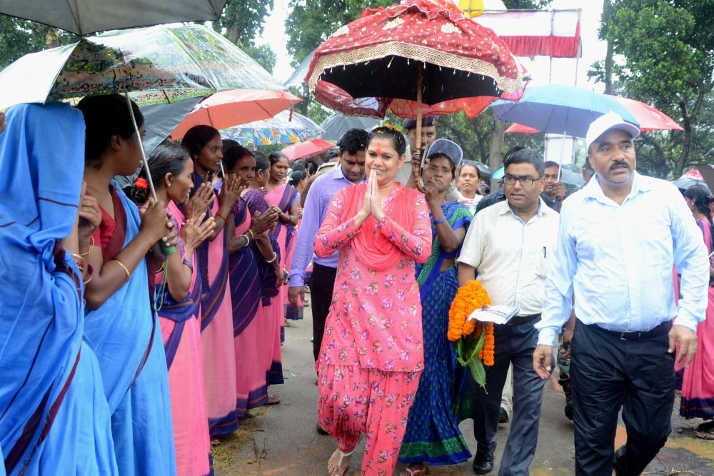 <p>Chief Secretary Raj Bala Verma welcomed by district and water sanitation committee members during her arrival for a block level Sanitation Convention at Sirka Panchayat under Anigara…