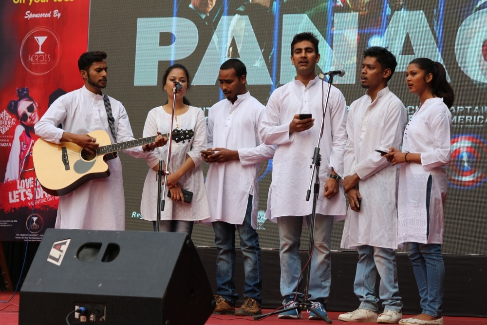 <p>Students of XISS, Ranchi perform on Day 1 of Panache 2018.</p>