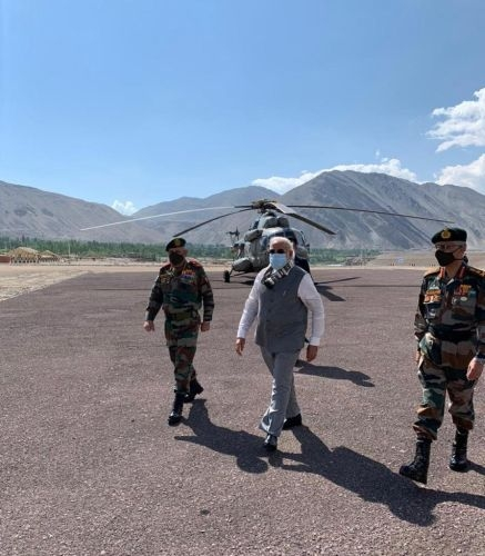 <p>PM Narendra Modi in Ladakh today to boost up the morale of the Army personnel on duty at 11000 feet above sea level.</p>