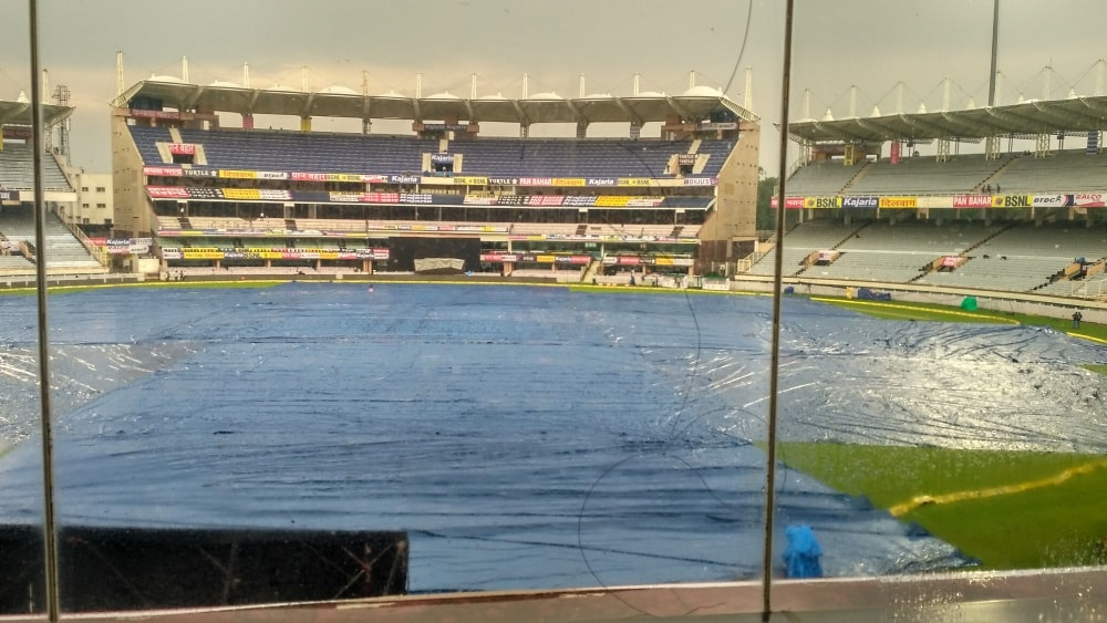 <p>Heavy rain forces the Indian Cricket team to cancel their practice session. Virat Kohli and his men were to train at the JSCA International Stadium Complex, Ranchi this evening…