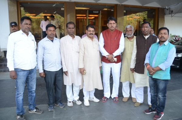 <p>Representatives of Ghatwal-Ghatwar and Khetari castes met the Chief Minister Raghubar Das in Ranchi</p>
