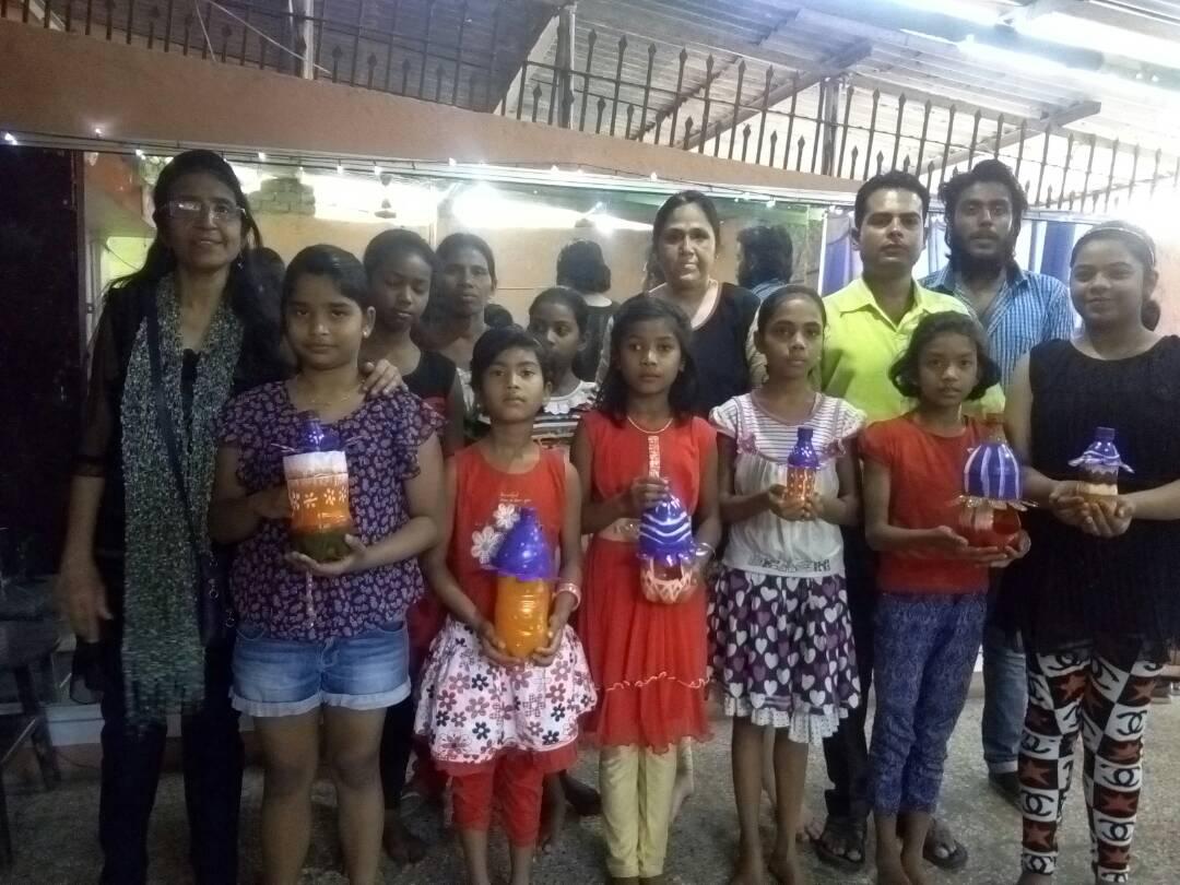 <p>At Sawaria Dance Academy In Kanke Road,Ranchi,students under the banner of Akhil Bharatiya Vidayarthi Parishad carried first of its own kind 'Pakshi Bachawo Abhiyan' (Save…