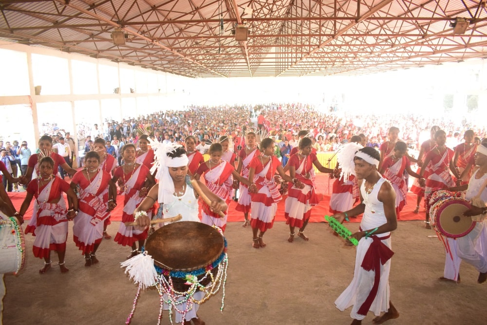 <p>Tribal students performs cultural program on the eve of the Sarhul festival, the festival of flowers among the tribal's of eastern India in Ranchi on Monday.</p>