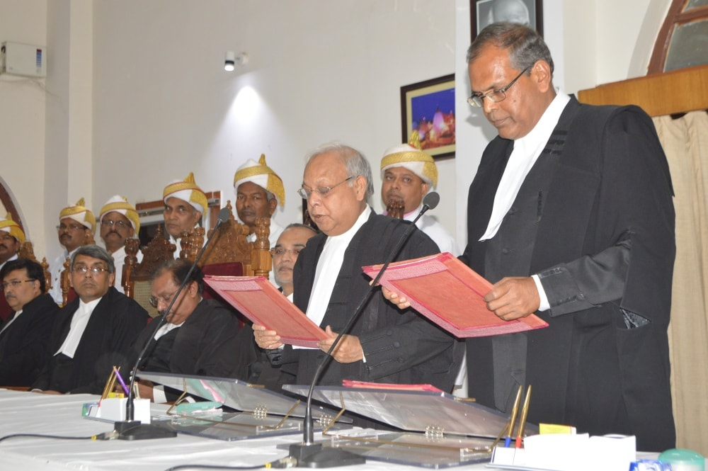 <p>Jharkhand High Court Chief Justice Pradip Kumar Mohanty administeted oath to two newly appointed Additional Judges :Bimlendu Bhushan Manglamurti and Anil Kumar Choudhary in Ranchi.</p>…